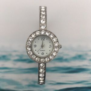 Round Face Watch with Rhinestone